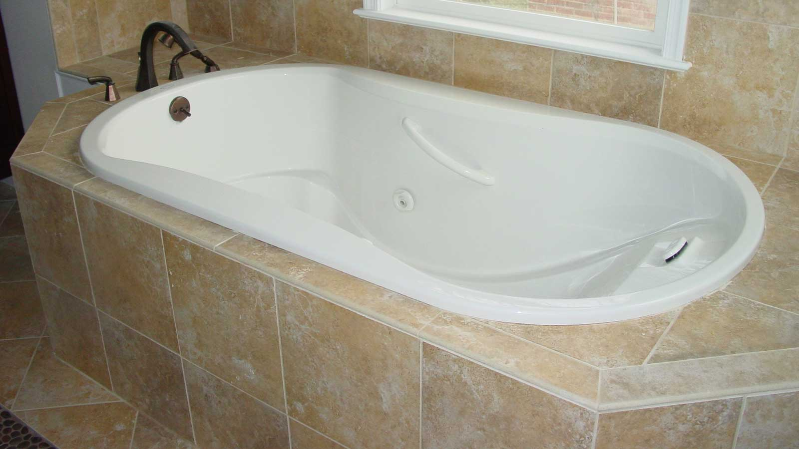 Bathtub-recessed-tub